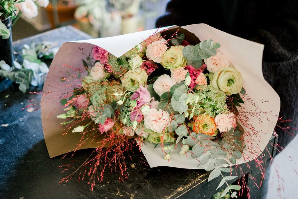 rose noire fleuriste ixelles